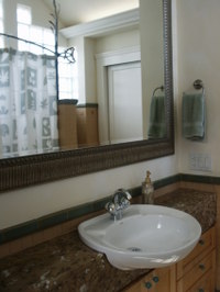 Boles_bathroom_2